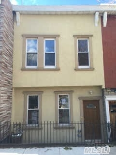 1721 Victor St, Out Of Area Town, NY 10462