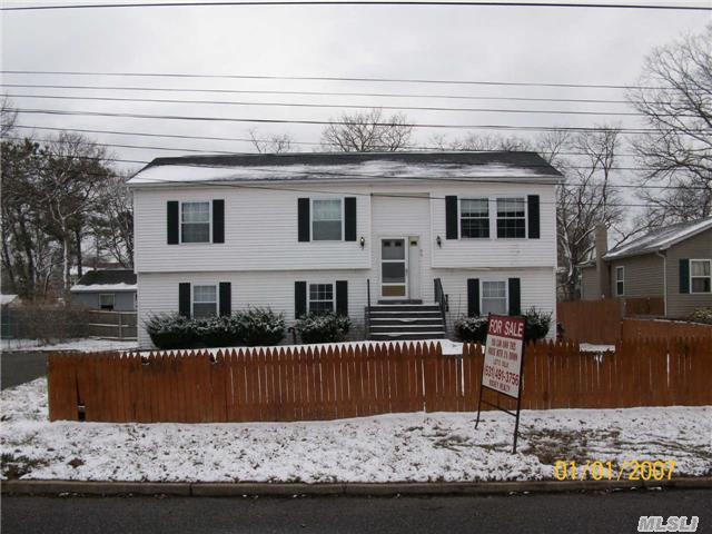 98 Commonwealth Dr, Wyandanch, NY 11798