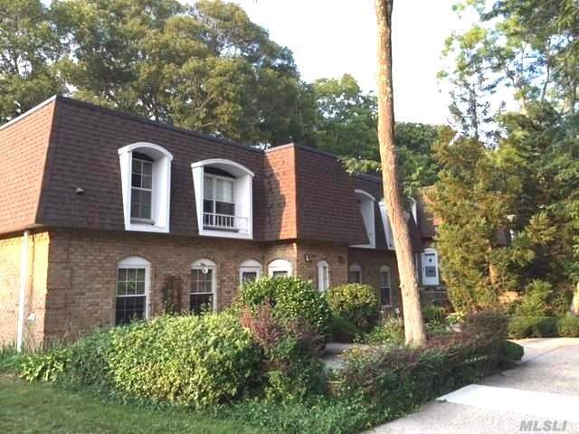 655 Middle Country Rd #3h2, Coram, NY 11727