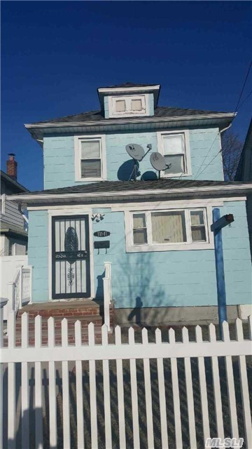 111-11 212th St, Queens Village, NY 11429