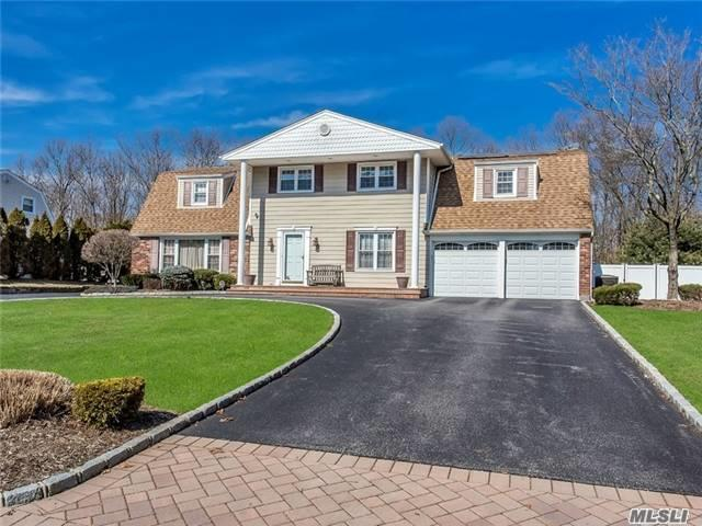 83 Wichard Blvd, Commack, NY 11725
