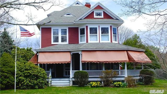 325 Bay Ave, East Marion, NY 11939