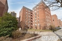66-34 108 St #5e, Forest Hills, NY 11375
