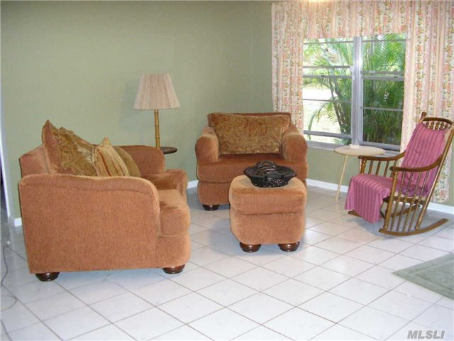 3759 Papaya St, Out Of Area Town, fl 33956