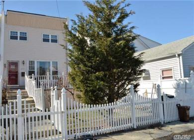 273 Reynolds Ave, Out Of Area Town, NY 10465