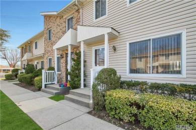 1595 N Central Ave #4, Valley Stream, NY 11580