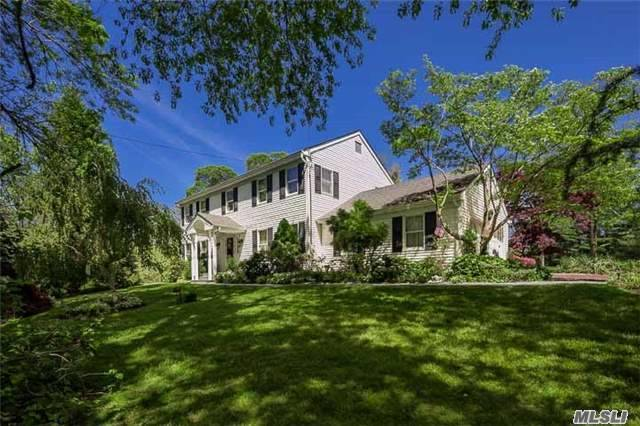 333 Old Mill Rd, Nissequogue, NY 11780