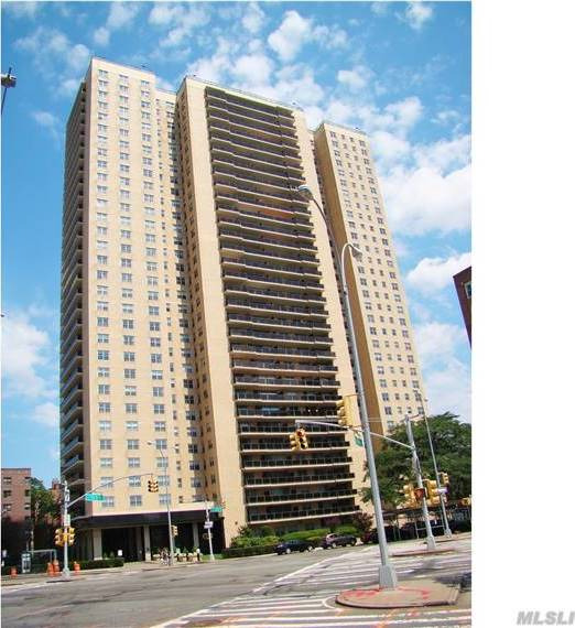110-11 Queens Blvd #11h, Forest Hills, NY 11375