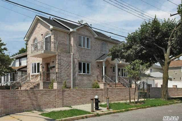90-27 216th St, Queens Village, NY 11428