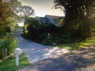 2 Clearview Dr, Montauk, NY 11954