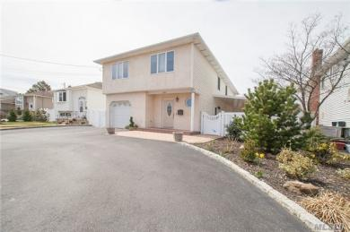 2664 Bedell St, Bellmore, NY 11710