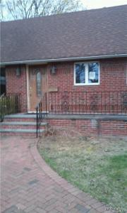 136 Guenther Ave, Valley Stream, NY 11580