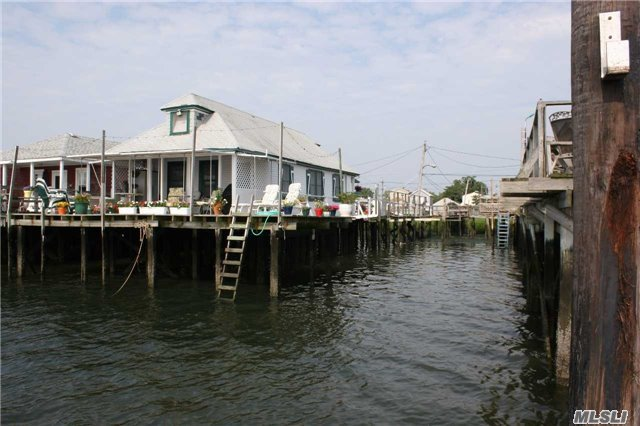 12-02 Church Rd, Broad Channel, NY 11693