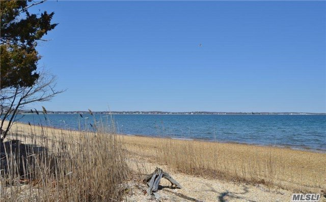 3525 Paradise Point Rd, Southold, NY 11971