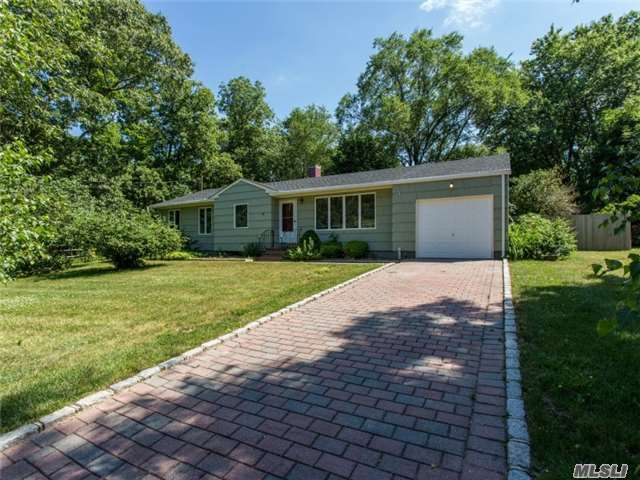 370 N Bayview Road Ext, Southold, NY 11971