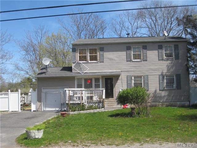 759 Bayview Ave, Bellport, NY 11713