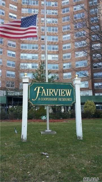 61-20 Grand Central Pk #B101, Forest Hills, NY 11375