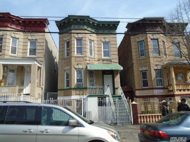 1224 Saint Lawrence Ave, Out Of Area Town, NY 10472