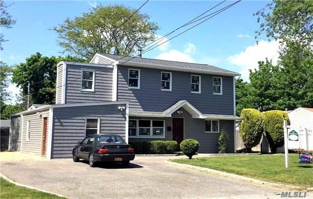 43 E Maple St, Central Islip, NY 11722
