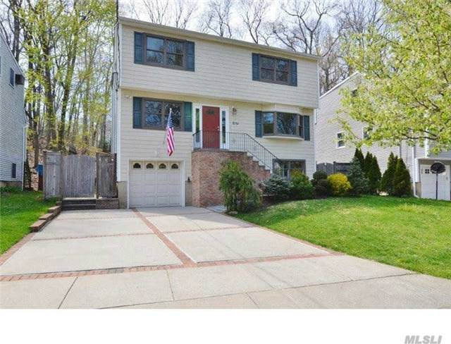 83 June Ave, Northport, NY 11768