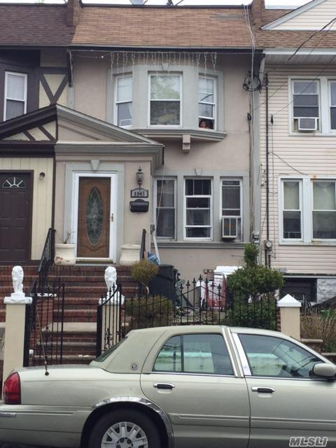 89-45 88th St, Woodhaven, NY 11421