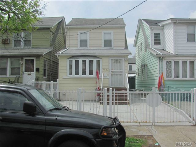90-36 208th St, Queens Village, NY 11428
