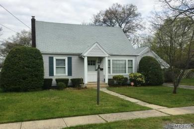 31 Wilmarth Ave, Patchogue, NY 11772