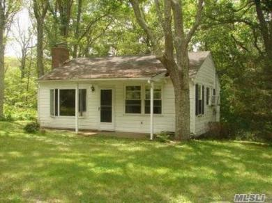 375 Broadwaters Rd, Cutchogue, NY 11935