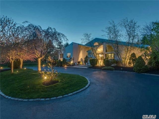 12 Meadow Gate West, Head Of Harbor, NY 11780