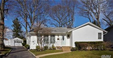 1387 Pine Ct, East Meadow, NY 11554