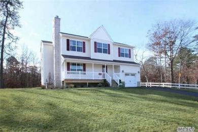 970 Middle Country Rd, Ridge, NY 11961