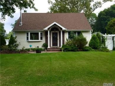 192 Stanley Dr, Centereach, NY 11720