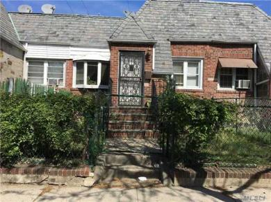 24-41 82nd St, Jackson Heights, NY 11370