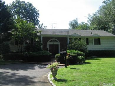 8 Channel Dr, Great Neck, NY 11024