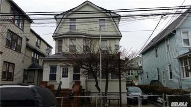 188 Beach 115th St, Rockaway Park, NY 11694