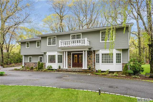 35 Tiber Rd, Oyster Bay Cove, NY 11791