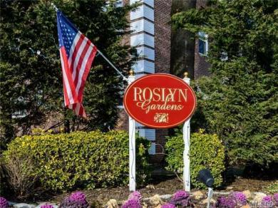 14 Edwards St #2 B, Roslyn Heights, NY 11577