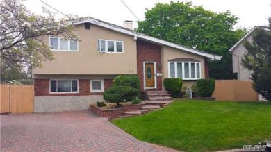 189 W 23rd St, Deer Park, NY 11729