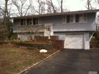21 Deepdale Dr, Commack, NY 11725