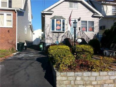 127-17 9 Ave, College Point, NY 11356