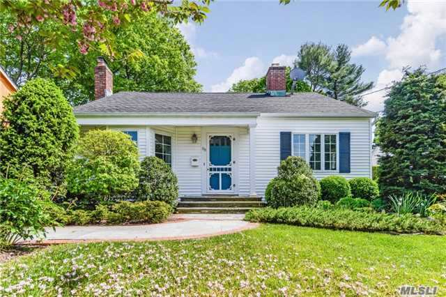 88 Fairmount St, Huntington, NY 11743