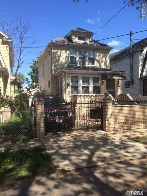 110-35 213th St, Queens Village, NY 11429