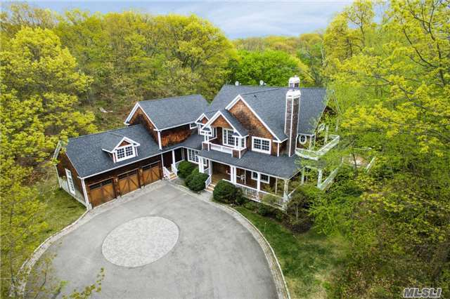 100 Shore Rd, Cold Spring Hrbr, NY 11724