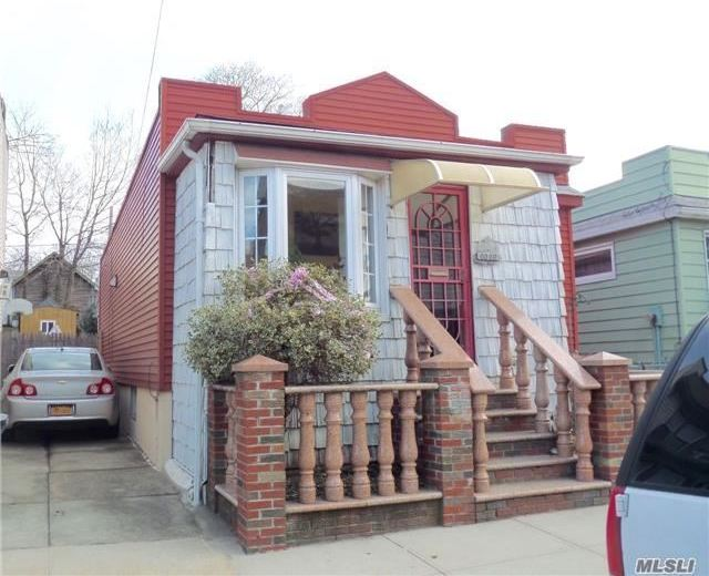 60-86 59th Rd, Maspeth, NY 11378