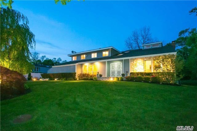 10 Golf Ct, Muttontown, NY 11791