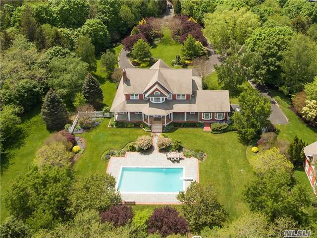 6030 Youngs Ave, Southold, NY 11971