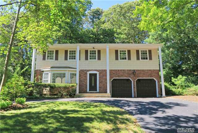107 N Country Rd, Smithtown, NY 11787