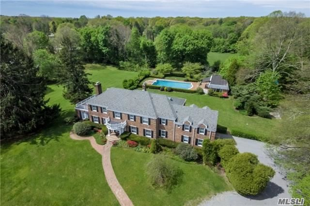 6195 B Private Rd, Muttontown, NY 11732