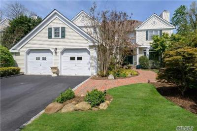 Photo of 3 Gracewood Dr, North Hills, NY 11030