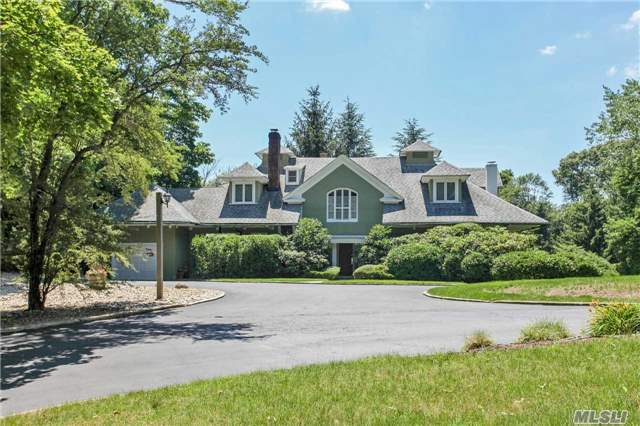 195 Sands Point Rd, Sands Point, NY 11050